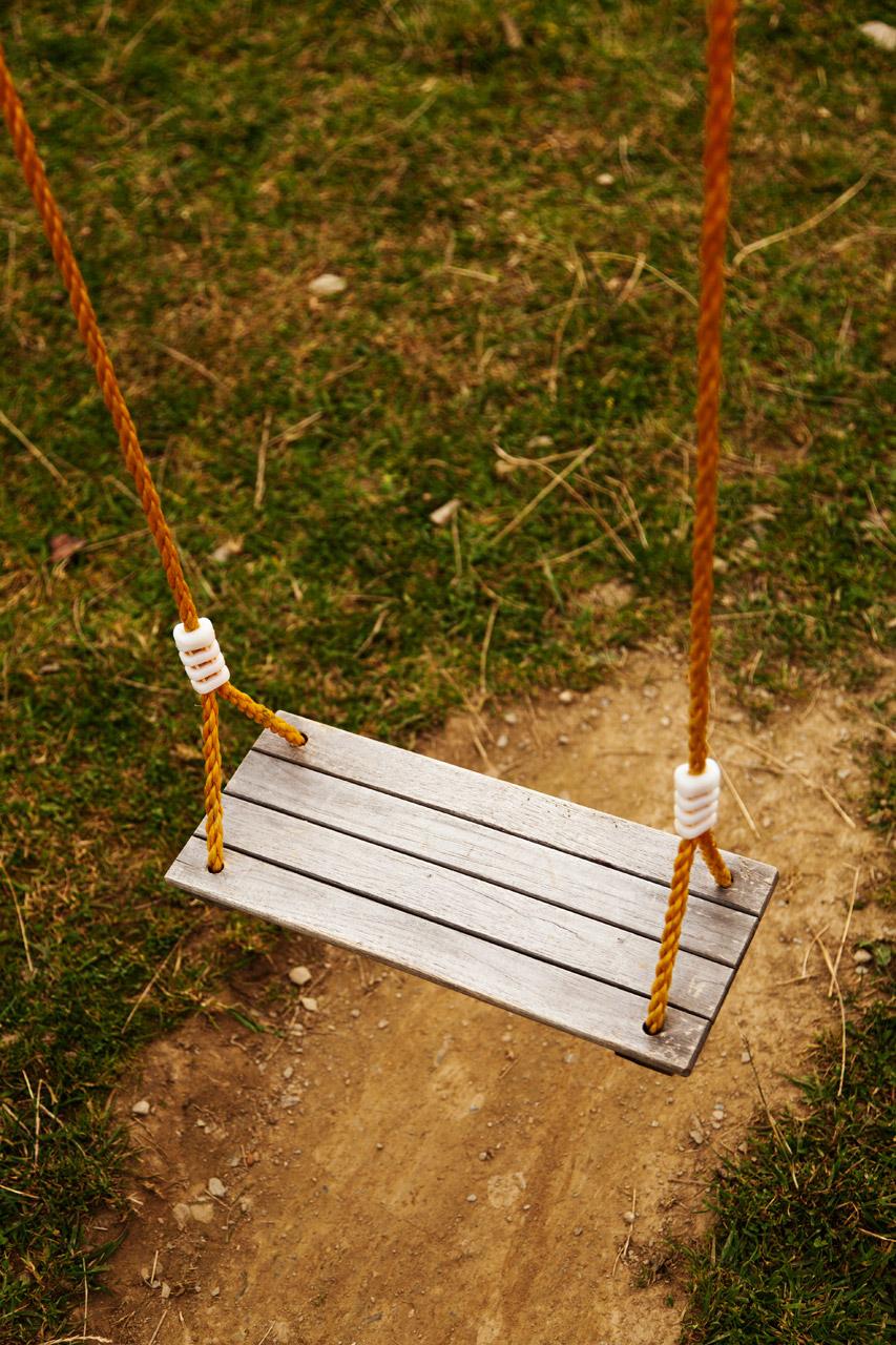 empty-swing-11291402783k33