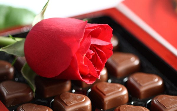 box-of-chocolates-and-rose
